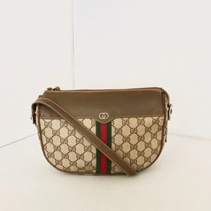 Gucci Vintage GG Supreme Shoulder Bag